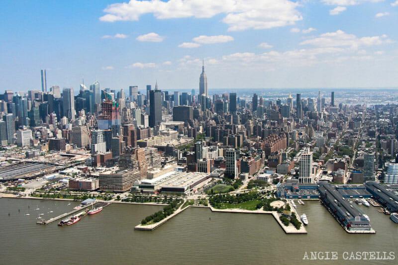 Paseo en helicóptero por Nueva York: qué empresa elegir y consejos de vuelo